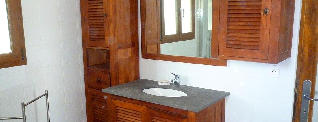 photo salle de bain - corsica-home.com - gîte vacances Corse plaine orientale