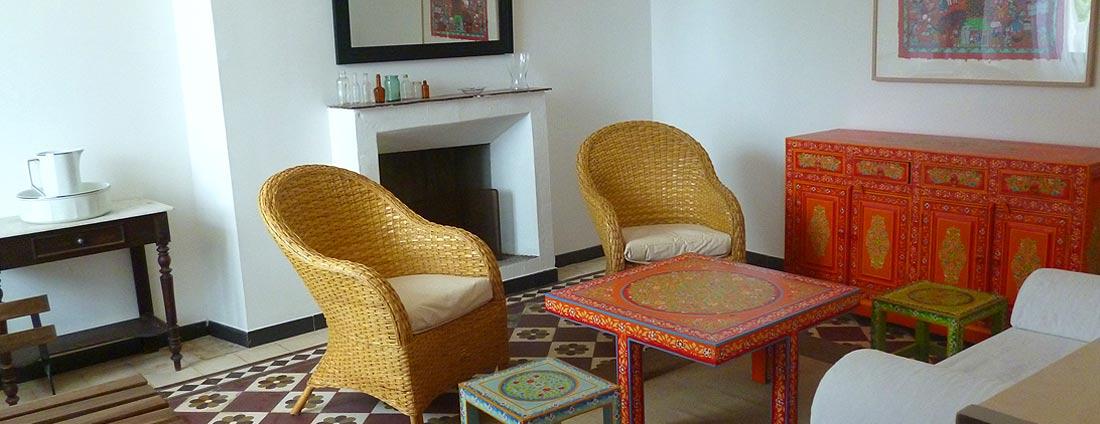 photo salon - corsica-home.com - gîte vacances Corse plaine orientale