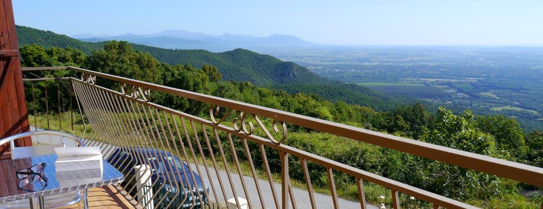 photo balcon panoramique 1- corsica-home.com - gîte vacances Corse plaine orientale