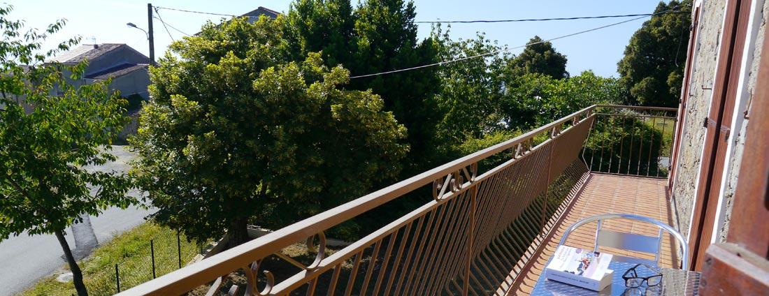 photo balcon panoramique 3 - corsica-home.com - gîte vacances Corse plaine orientale